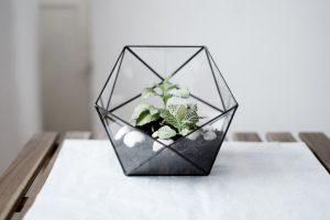 Многогранные геометрические вазы